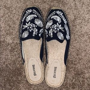 Soludos Navy & White Floral Mules